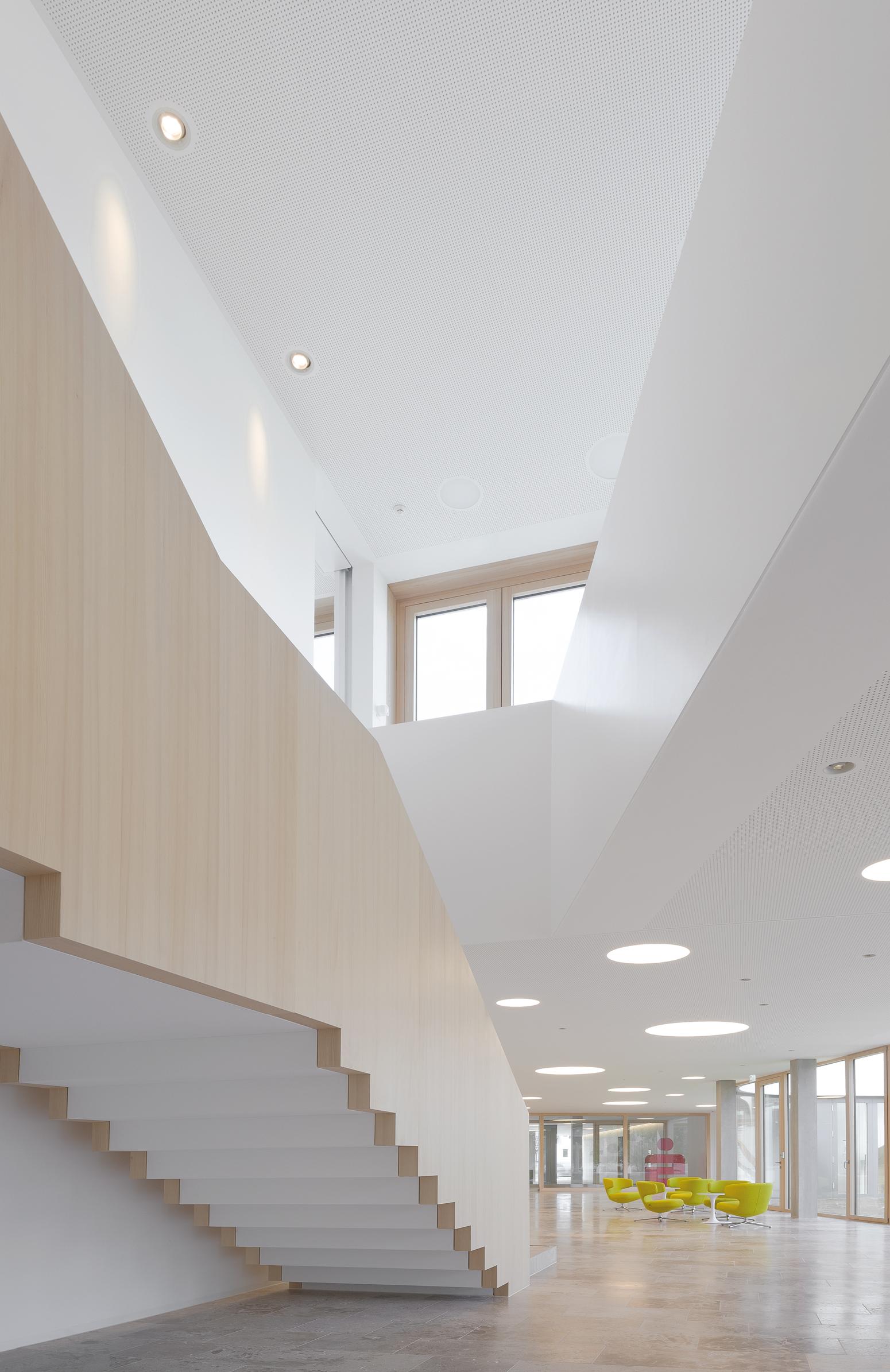 Elegant und unaufdringlich - die Treppe überzeugt durch klare, zeitlose Struktur.